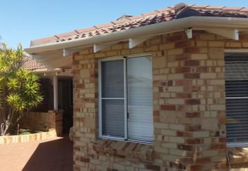 Quarter round gutter and fascia